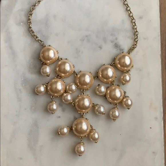 Francesca's Collections Jewelry - Pearl statement necklace